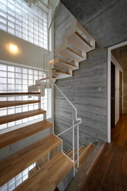PIBRO2・階段