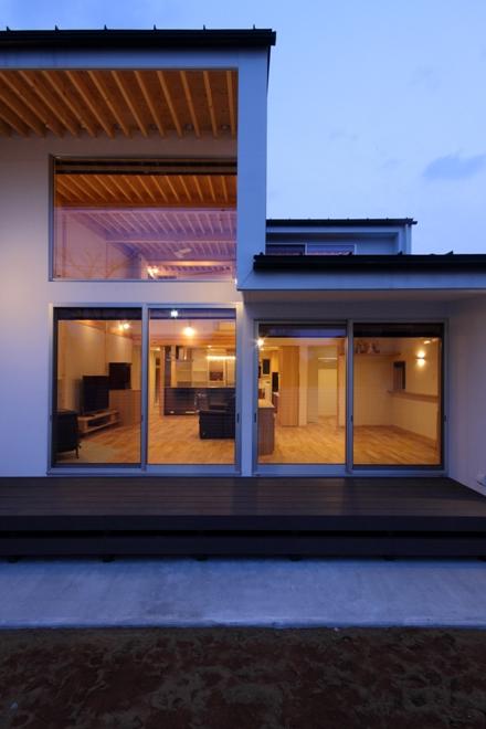 南光台の家5・外観夜景