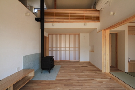 志波姫町の家2・居間1