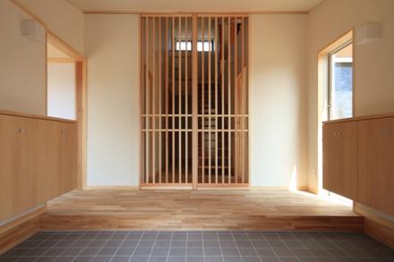 志波姫町の家4・玄関