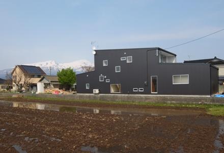 遊佐町の家3・外観2